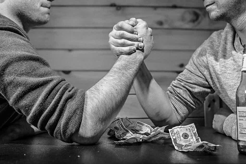 dlaczego bitcoin drożeje prawa