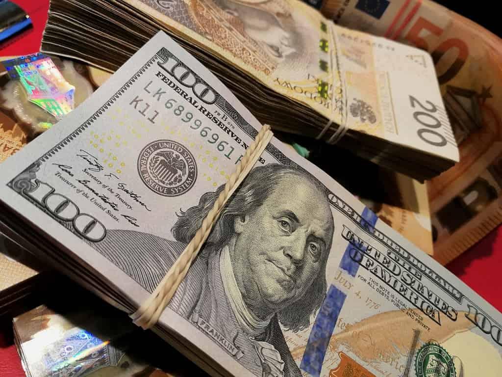zarabiać bitcoiny handel